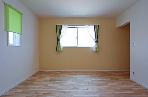 8帖のゆとりある寝室と、たっぷり3帖分のウォークインクローゼット。