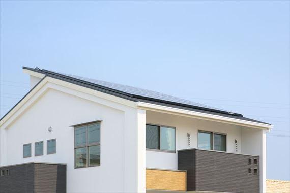 ゼロエネの要、太陽光発電システム。HEMSで家庭内エネルギーを賢くコントロール。