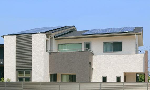 太陽光発電とハイブリット給湯機による床暖房を取り入れたエコ住宅です。
