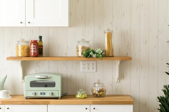 お気に入りのキッチングッズを魅せながら、しっかり収納。